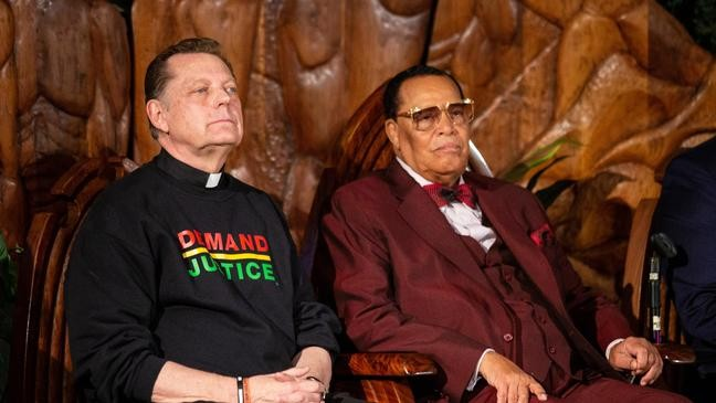 Farrakhan delivers insult while denying he's anti-Semitic after